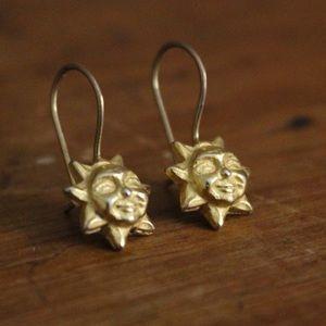 Jewelry - Goldtone sun earrings